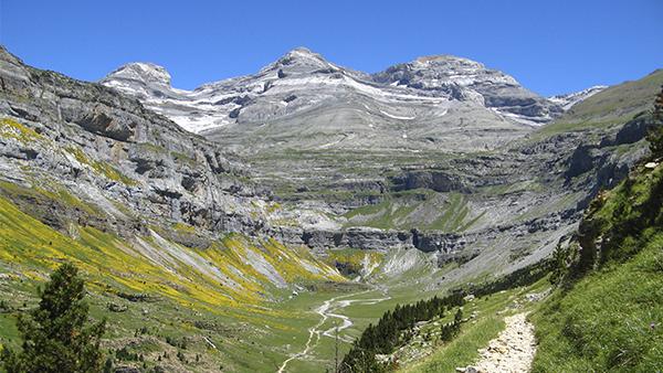 El Pirineo aragonés, en coche