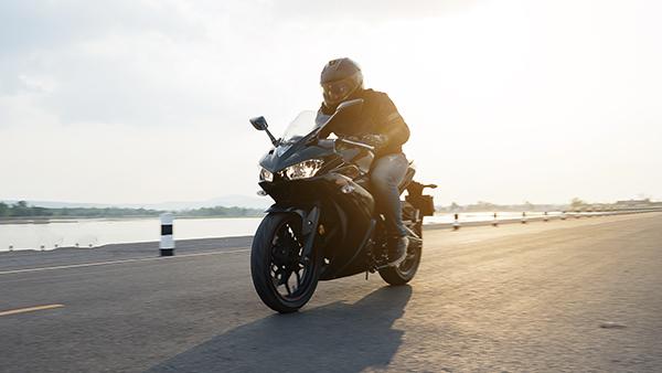 ¿Cómo es la ropa para conducir en moto?