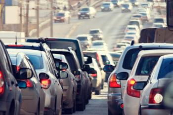 trafico-de-coches-en-autovia